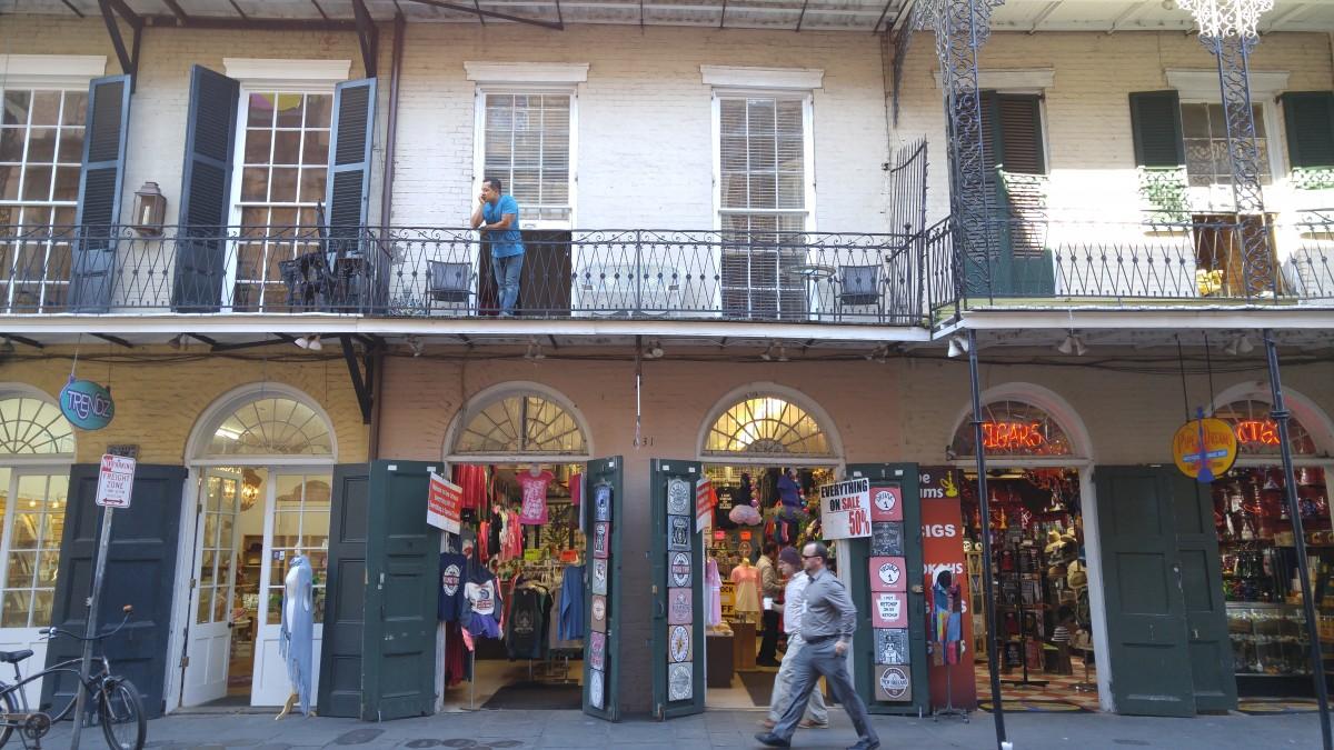 NOLA street balcony
