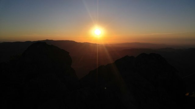 Garnet Peak Sunrise Hike Summit