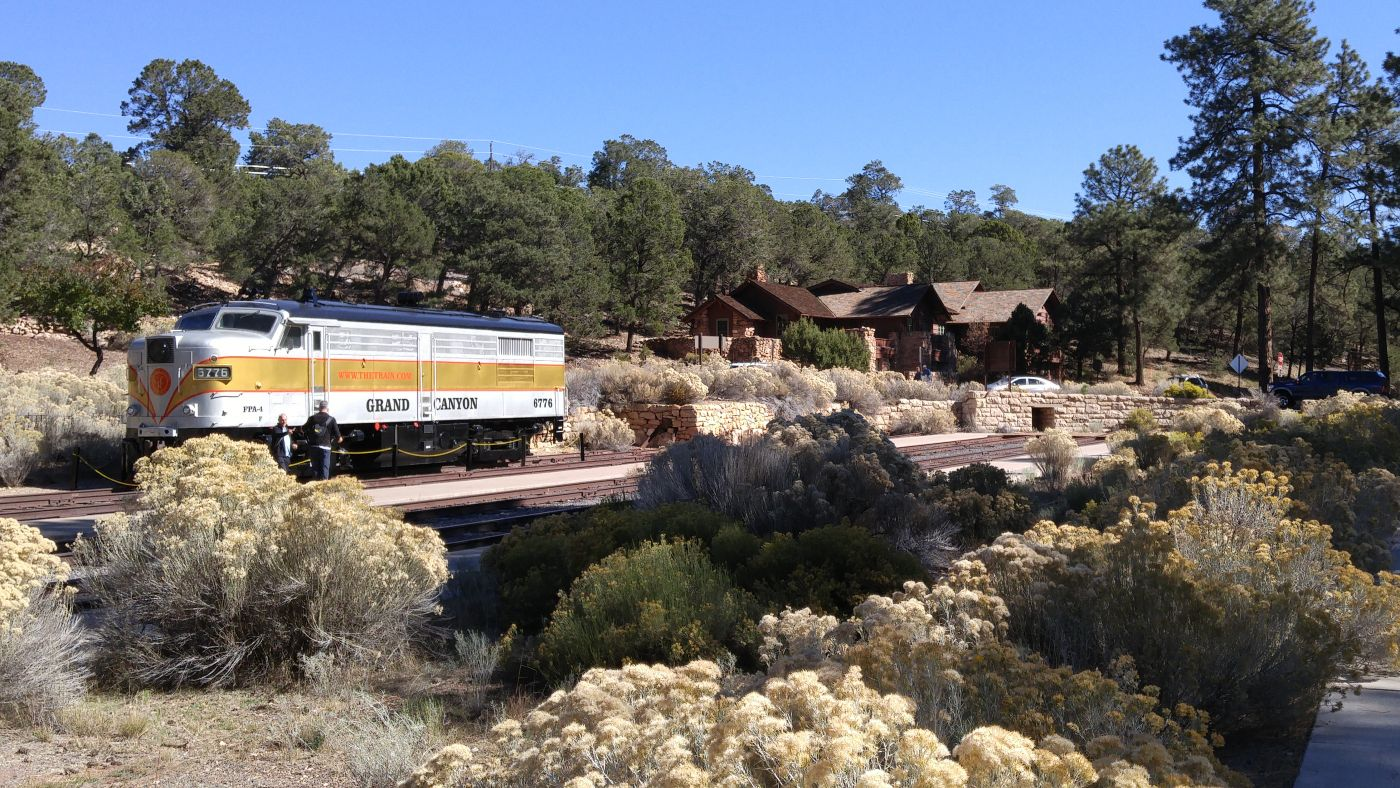 Train Grand Canyon