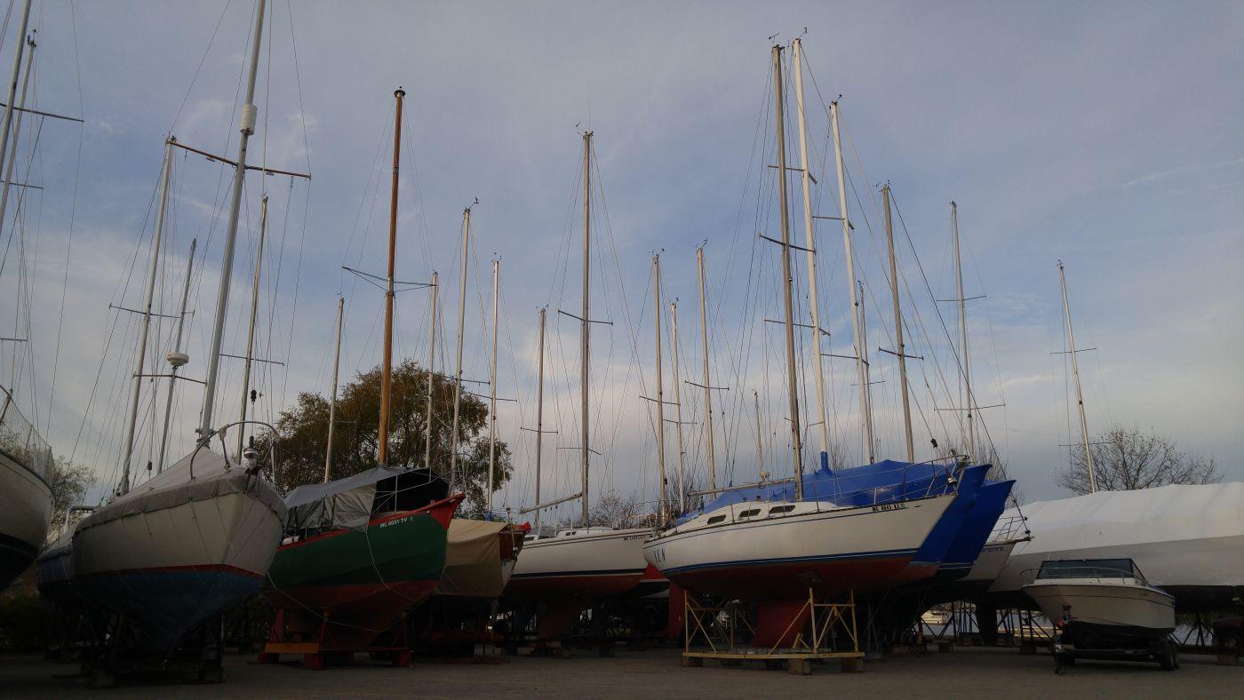 Dry dock boats Saugatuck Mi