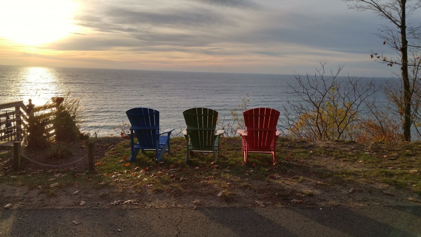 Lakeshore Drive Douglas MIchigan chairs