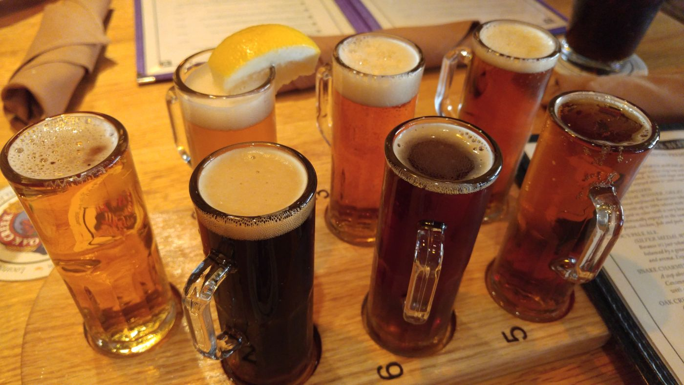 Oak Creek Brewery & Grill flight Tlaquepaque